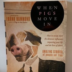 When Pigs Move In : Amazing Stories of People Set